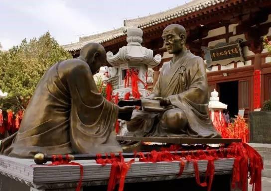 摄于西安青龙寺:惠果阿阇梨传衣钵于弘法大师.jpg